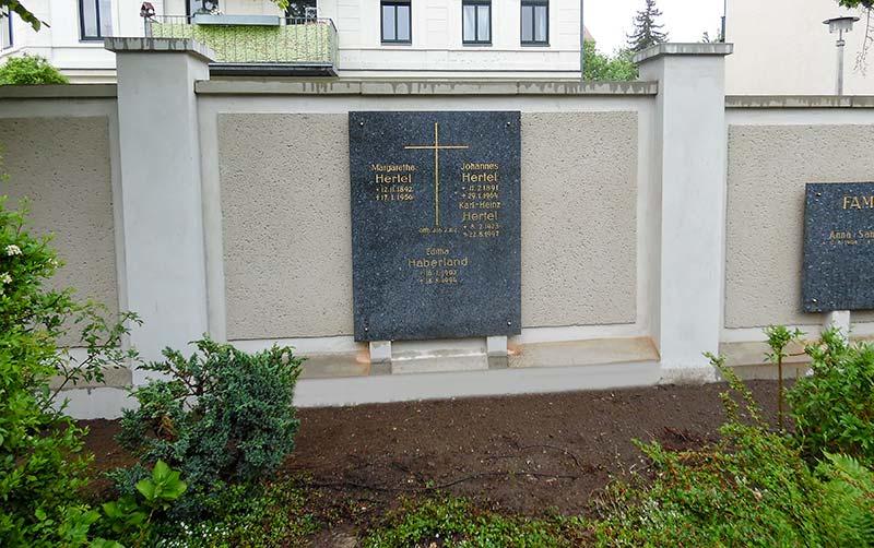 Friedhofsmauer Großzschocher